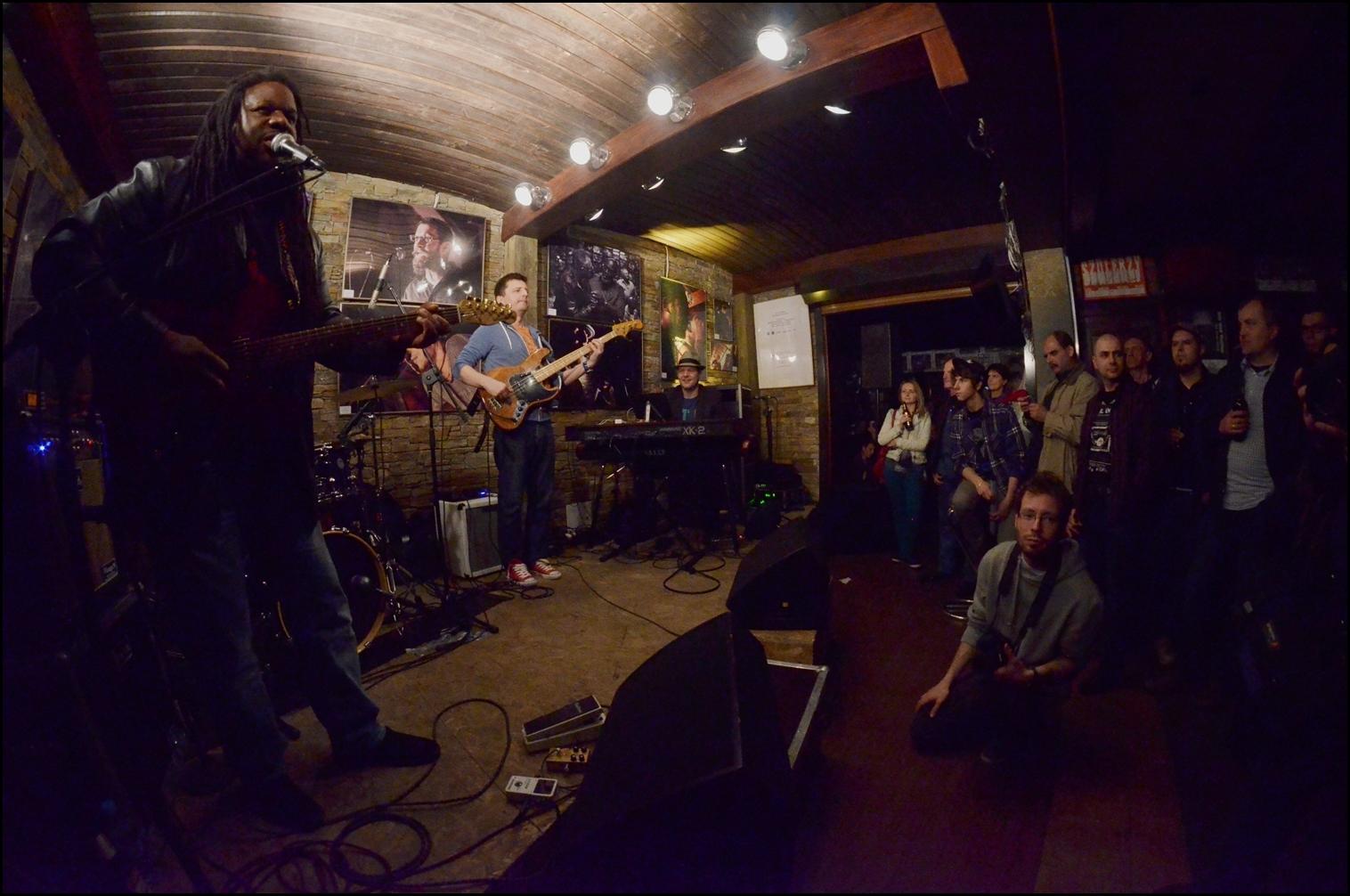 Khalif 'Wailin' Walter Band (3)