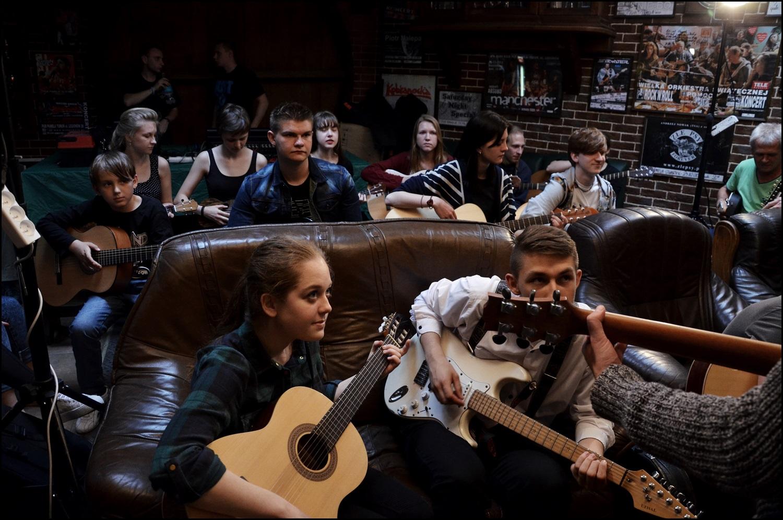 1.06.15, warsztaty gitarowe pARTyzant & Todd_Wolfe (24)