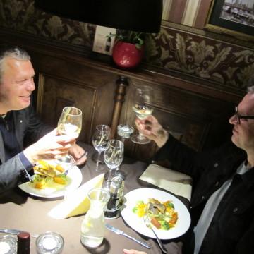 adam-nowak-i-mariusz-lubomski-podczas-tastingu-restaurant-week-w-kurantach