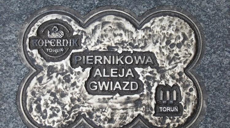 800px-Piernikowa_Aleja_Gwiazd_Torun_beax