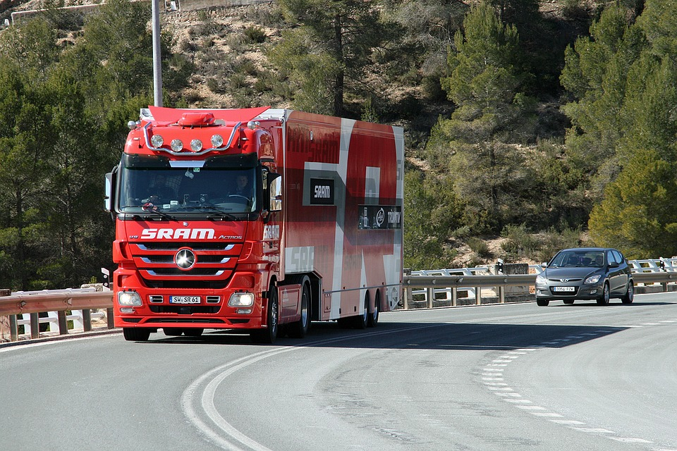 camion-1402735_960_720
