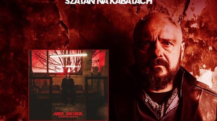 """Pierwsza solowa płyta Arkadiusza Jakubika """"Szatan na Kabatach"""" [fot. fanpage artysty]"""