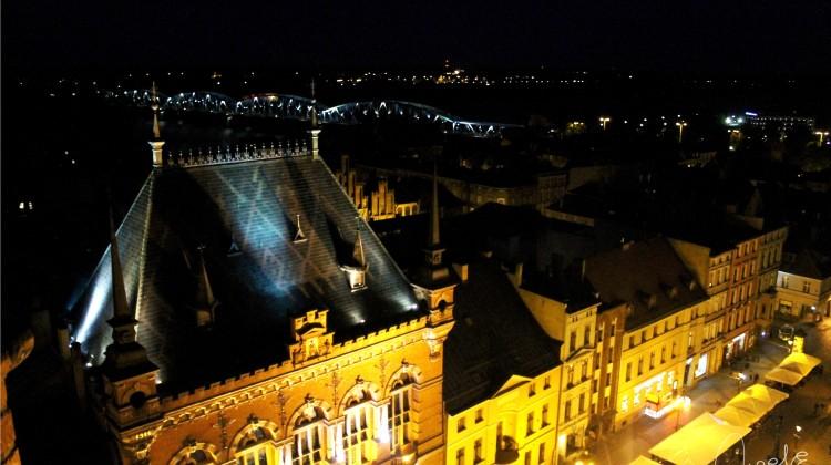 Toruńska starówka nocą. [fot. Angelika Plich]