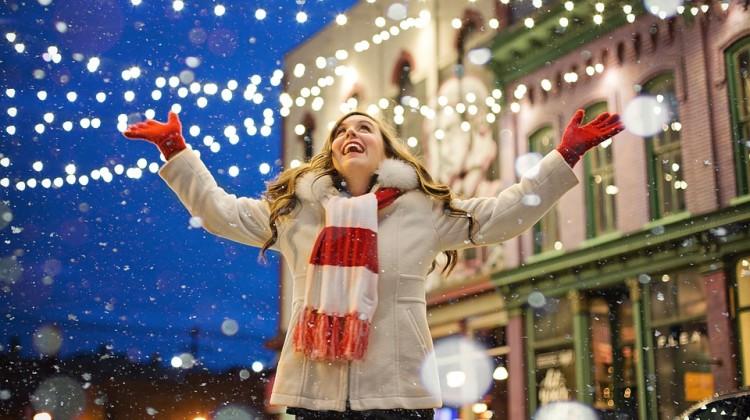 Łyżwy mogą być idealnym prezentem świątecznym dla osób w każdym wieku. [fot. materiały partnera]