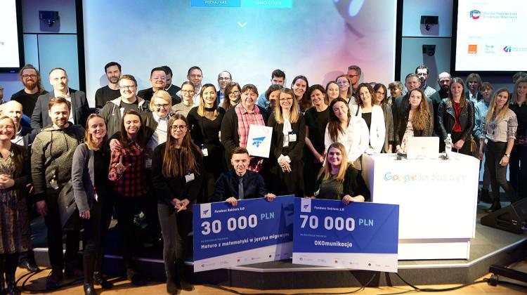 OKOmunikacja to zwycięski zespoł w konkursie Fundacji Sektor 3.0, współorganizowanym m.in przez Google. [fot. umk.pl]