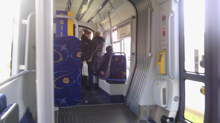 Tramwaj linii nr 1 będzie pierwszym pojazdem MZK, w którym będzie można płacić za bilet kartą miejską. [fot. Angelika Plich]