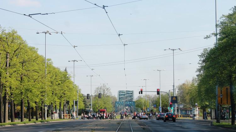 Toruń, jak wynika z rankingu portalu Oponeo, nie plasuje się w czołówce zestawienia najbardziej przyjaznych kierowcomom miast [fot. Angelika Plich]