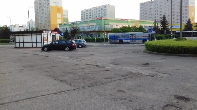 Teren parkingu na Rubinkowie II. Fot. Marta Napiórska.