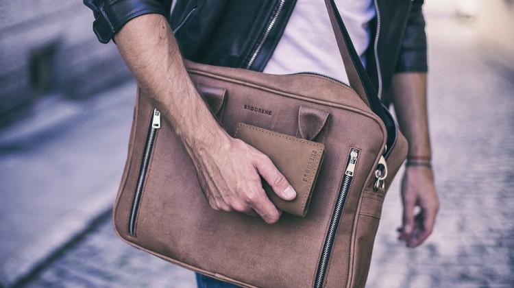 Fot, Męskie torby wcale nie muszą być niewygodne. Co więcej, mogą przy tym prezentować się bardzo efektownie [fot. materiały partnera]