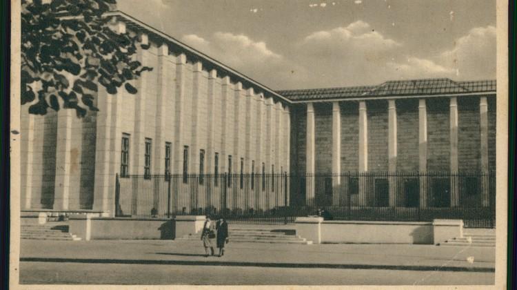 Ilustracja do wykładu Grzegorza Piatka - Gmach Muzeum Narodowego w Warszawie