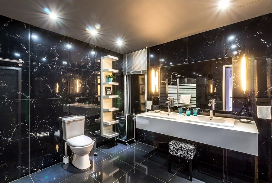 Łazienka w stylu glamour [fot. materiały partnerskie]